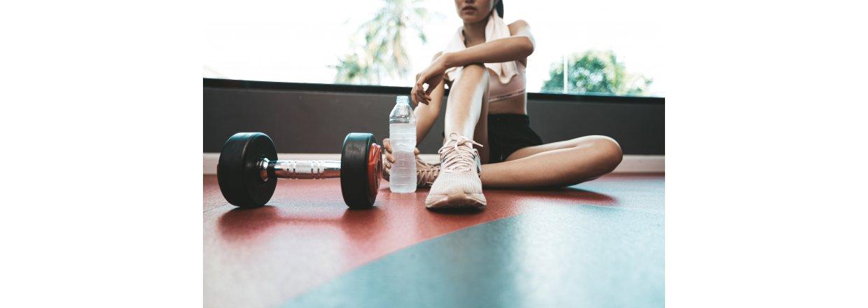Motion uden sportsskader: Sådan undgår du skader, når nu dyrker motion og idræt